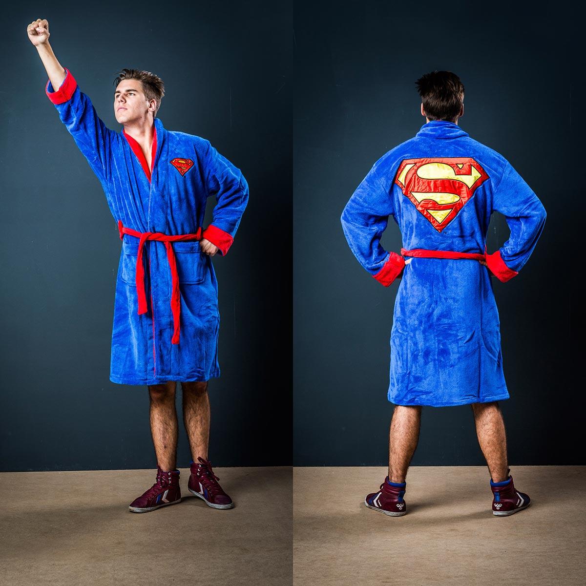 Weihnachtsgeschenke_fuer_maenner_Superman_bademantel